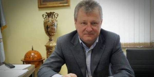 """Ivan Kovach, head of Tyachivska AH: """"Renovation of roads and streets, insulation of educational establishments and artificial football field – our priorities for 2018"""""""