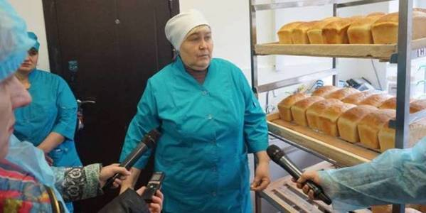 Public order bands and bread from abandoned school: how hromadas of Khmelnytskyi Oblast learn to live in new way