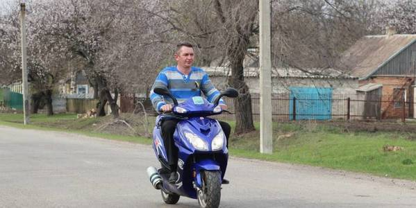 Vakulivska hromada purchased new motor scooters for starostas and paramedics