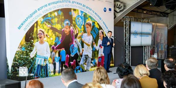 Children and young people should be involved in decision-making system in hromadas, - Volodymyr Groysman
