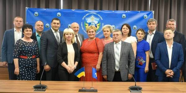 Another 14 AHs of Poltava Oblast received land outside settlements
