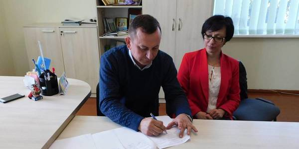 Three Rivne Oblast's hromadas signed cooperation agreement