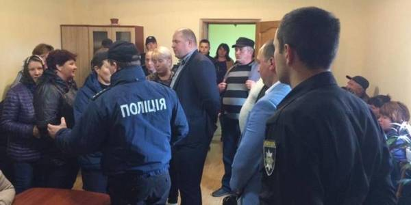 Accession of the village to the city of Novodnistrovsk: city council deputies appealed to top officials of the state and law enforcement agencies