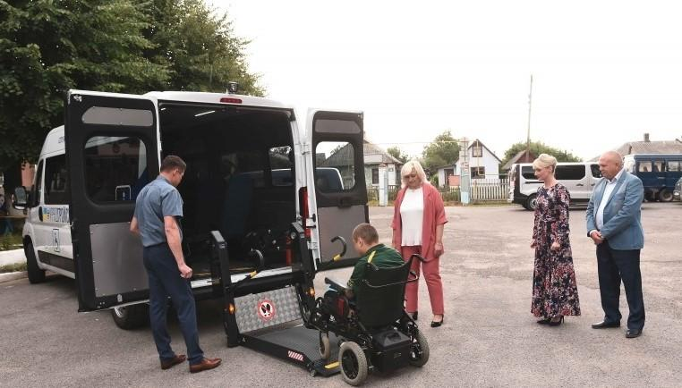 First social taxi for physically challenged citizens launched in Vinnytsia Oblast