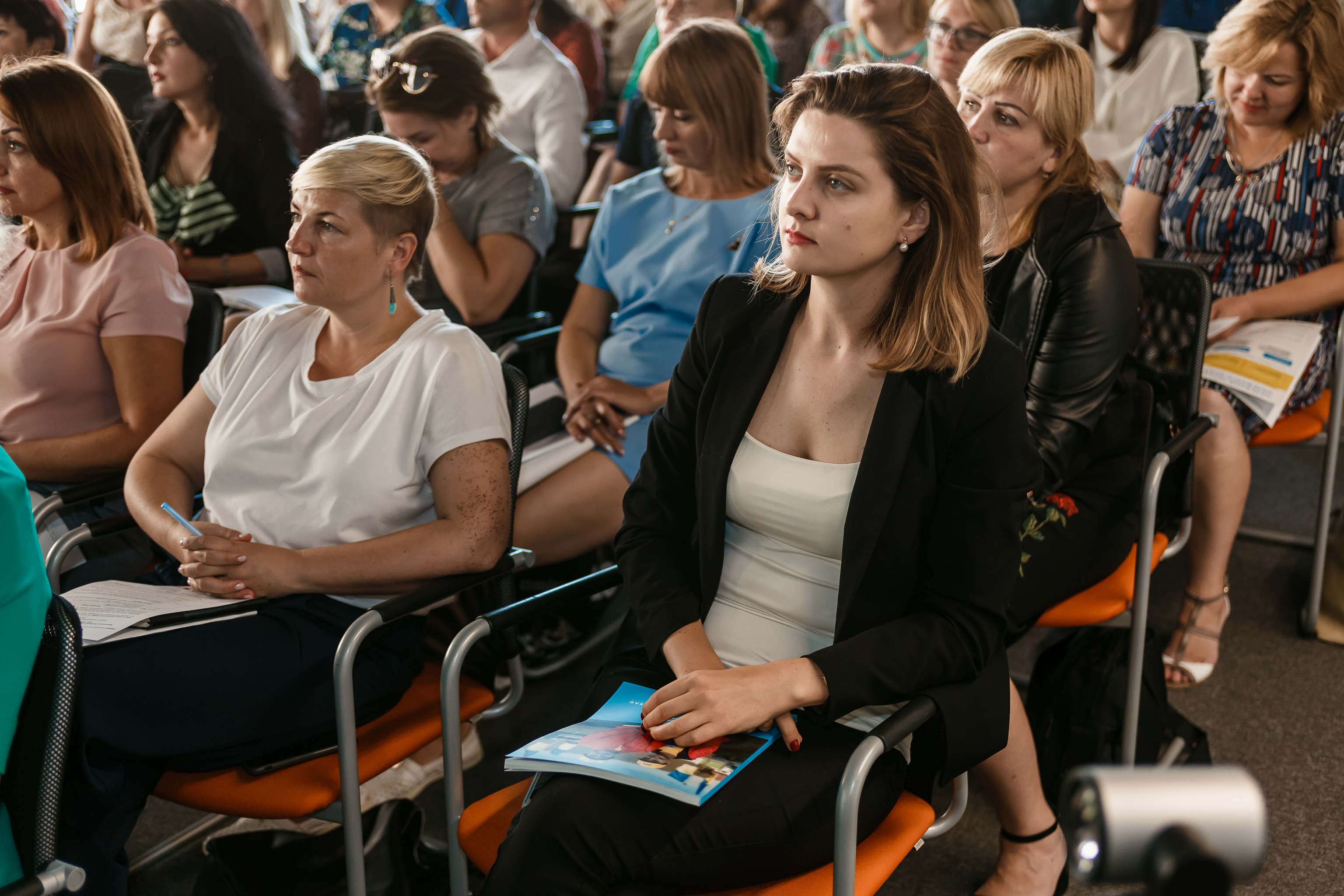 How to engage citizens in dialogue with government via ASCs: manual presented in Kyiv