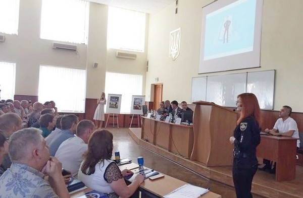 Police officers to work in Cherkasy Oblast's AHs