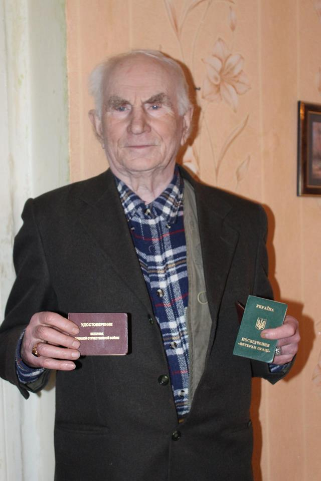 New Year miracles in Lymanska AH: elderly man presented his own apartment to unknown orphan