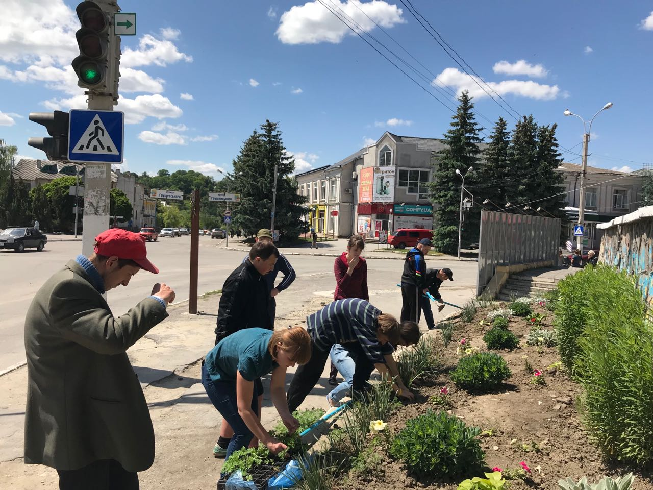 Flowers for hometown: children with disabilities joined greening of Horodotska AH